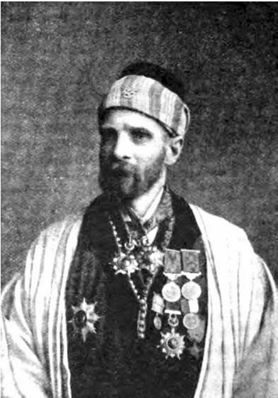 Quilliam, Kuzey Afrika'dan döndükten sonra Fas Sultanı tarafından kendisine tevdi edilen âlim unvanını kullandı.