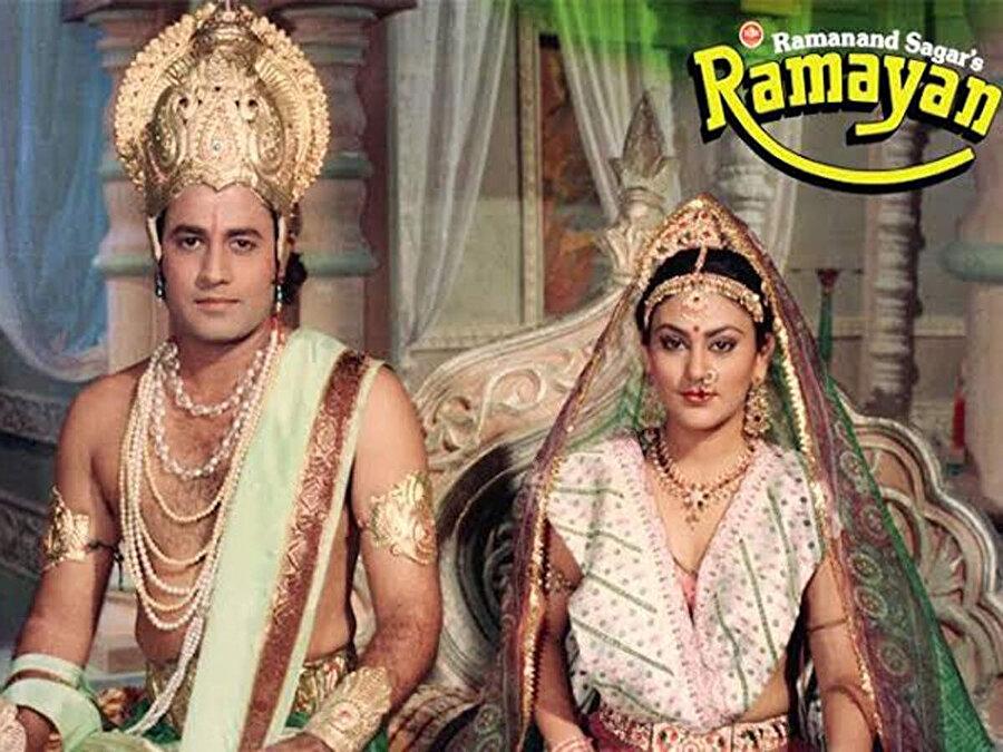Ramayana dizisinin posteri.