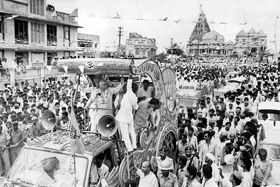 BJP lideri Lal Krishna Advani'nin Eylül 1990'da başlattığı kampanya.