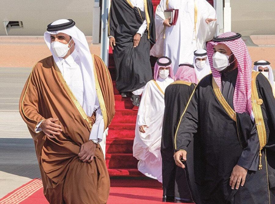 """Suudi tarafı tam bir şok halindeydi. Suudi Arabistan Şura Meclisi Üyesi Fehd bin Cuma, """"Suudi Arabistan'ın, 11 Eylül'de New York'taki Dünya Ticaret Merkezi'ne saldırı düzenlenmesinde ne çıkarı olabilir?"""