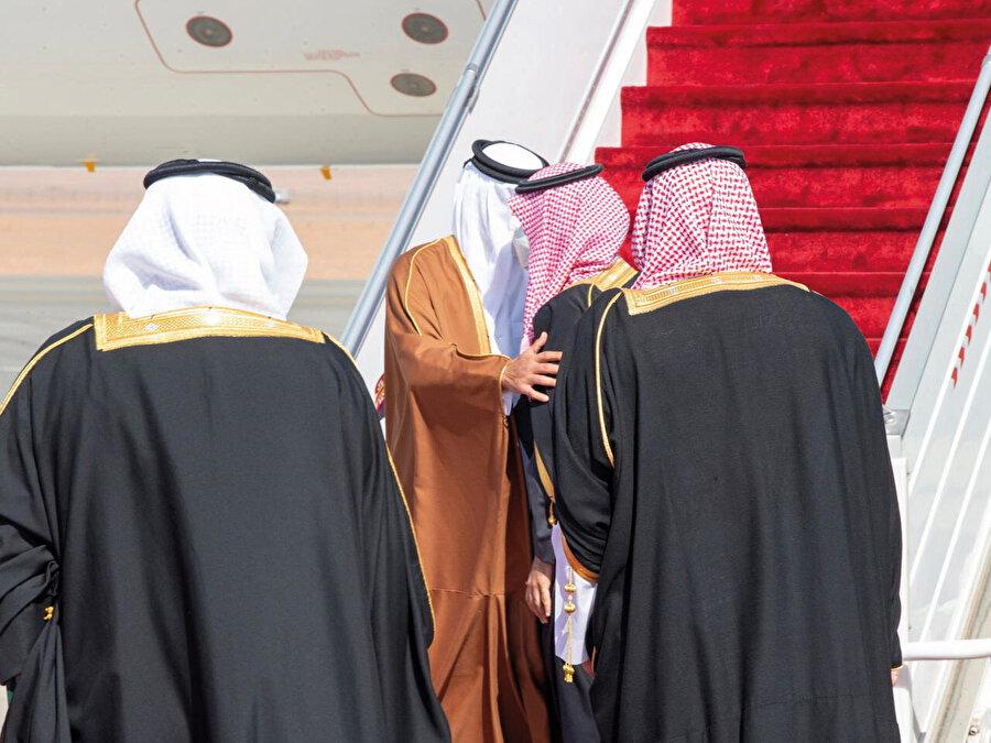 Ablukanın kalkıp komşu ülkeler ile ilişkilerin tekrar başlaması Katar'ı çok sevindirdi.