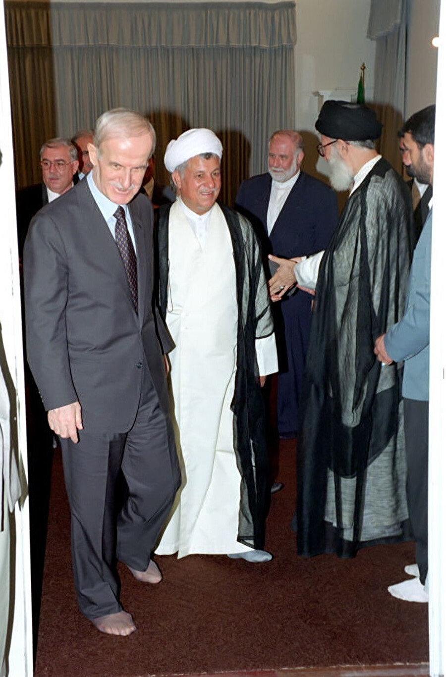 İran rejimi, iktidarı boyunca Esed'in stratejik ortağıydı.