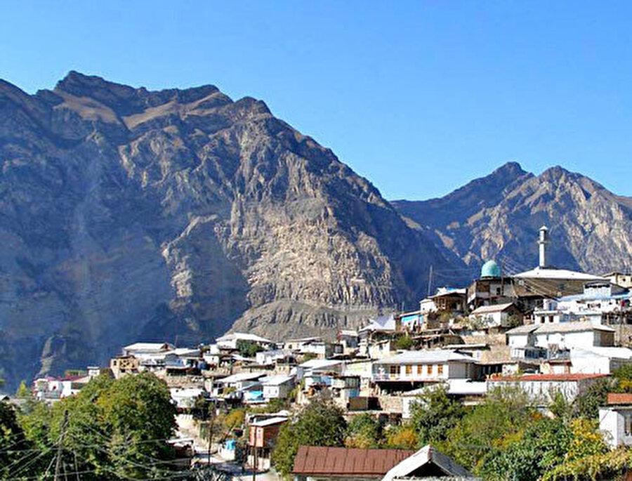 Şeyh Şamil'in doğduğu Gimri köyünün bugünkü görünümü.