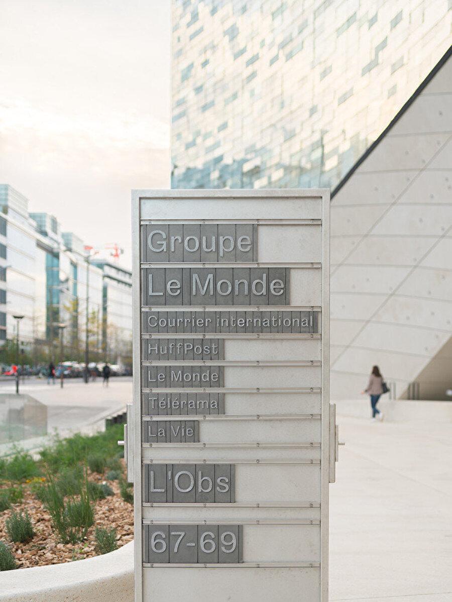 Merkez, Le Monde Group'un tüm yayınlarını bünyesinde barındırıyor.