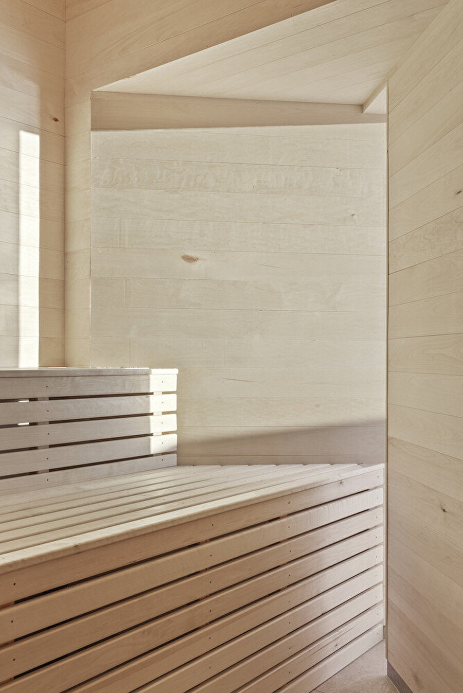 Banyo ile aynı girişi kullanan sauna alanı.