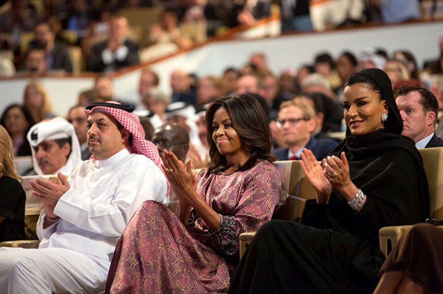Katar Emiri Al Sani'nin annesi Şeyha Moza ve Michelle Obama.