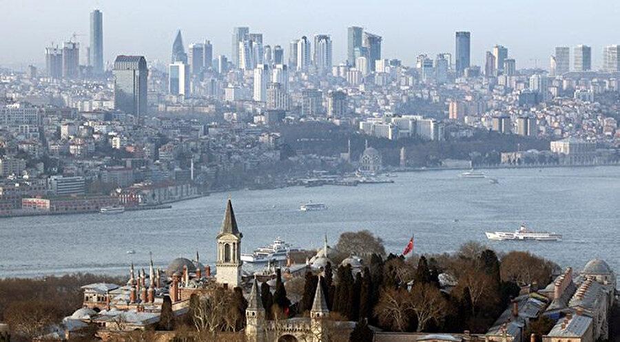 İstanbul'un artık gökdelenler dolayısıyla Amerika şehirlerini andıran bir silueti de var.