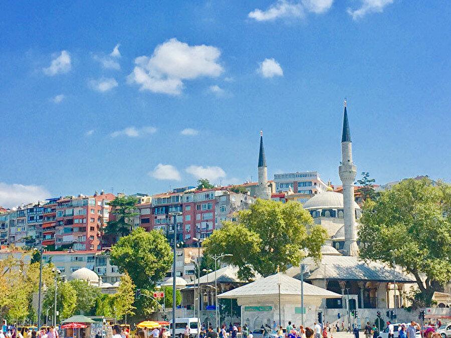 enim için İstanbul Mihrimah Camii avlusudur. Daima.