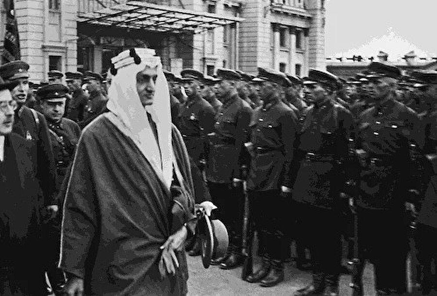 Prens Faysal Moskova'da.