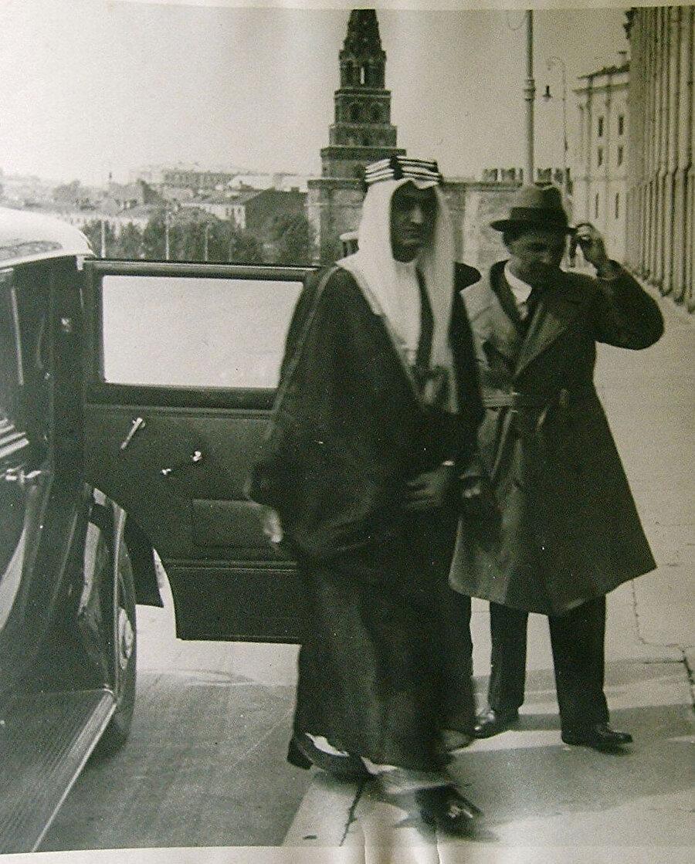 Kral Faysal Kerim Hakimov ile Moskova'da.