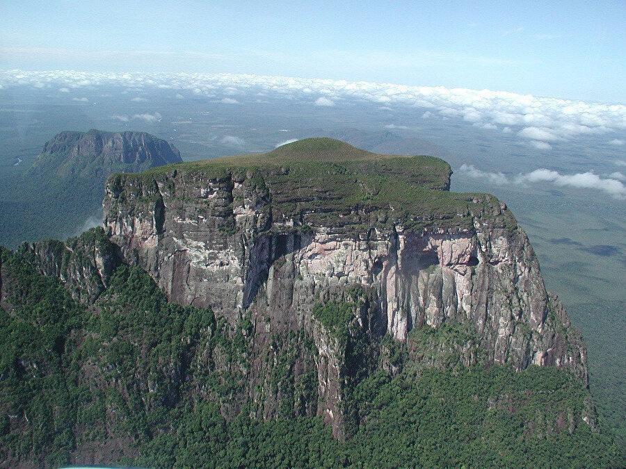 Autana Dağı.