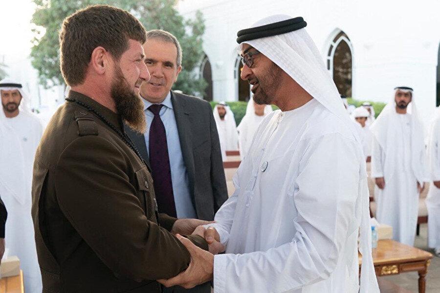 Kadırov'un yakın arkadaşları arasında Abu Dabi Veliaht Prensi Muhammed bin Zayed de bulunuyor.