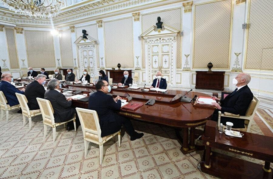 Cumhurbaşkanı Kays Said kabine revizyonuna itiraz etmişti.