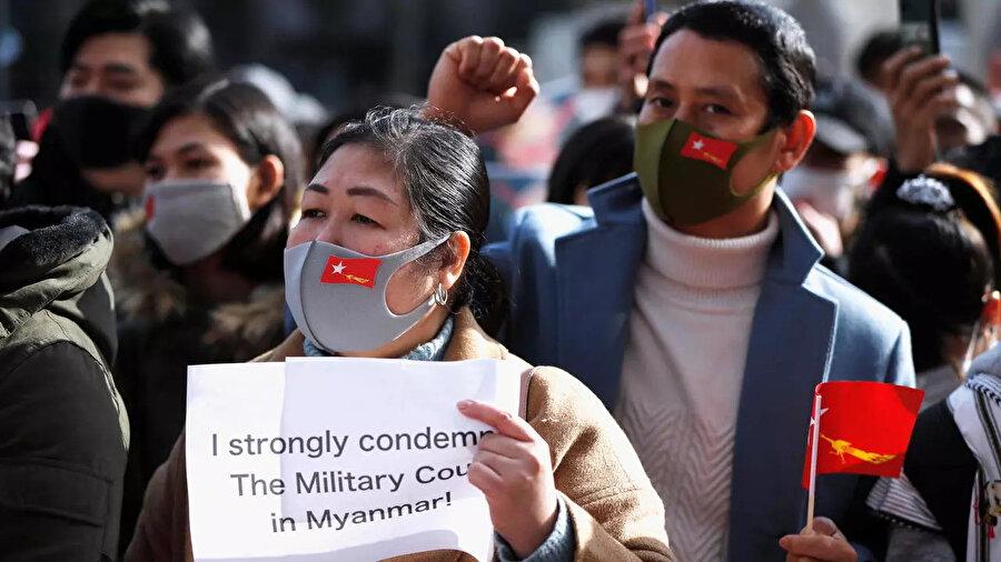 Myanmar'daki askeri darbeye çok sayıda ülke ve uluslararası kuruluş tepki gösterdi.