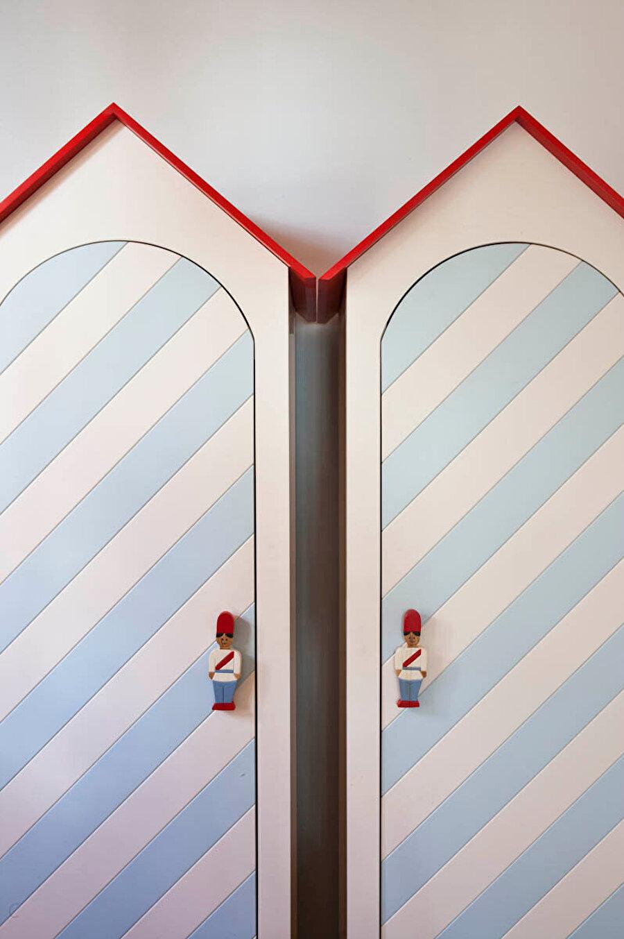 Bebek odası, dolap kapağı tasarımı.