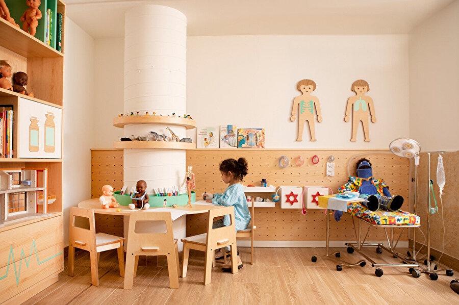Tel Hashomer Hastanesi'nde, cerrahi bir işlem geçirecek olan 3-18 yaş arası çocuklar için tasarlanmış, yenilikçi terapötik-eğitici alan.