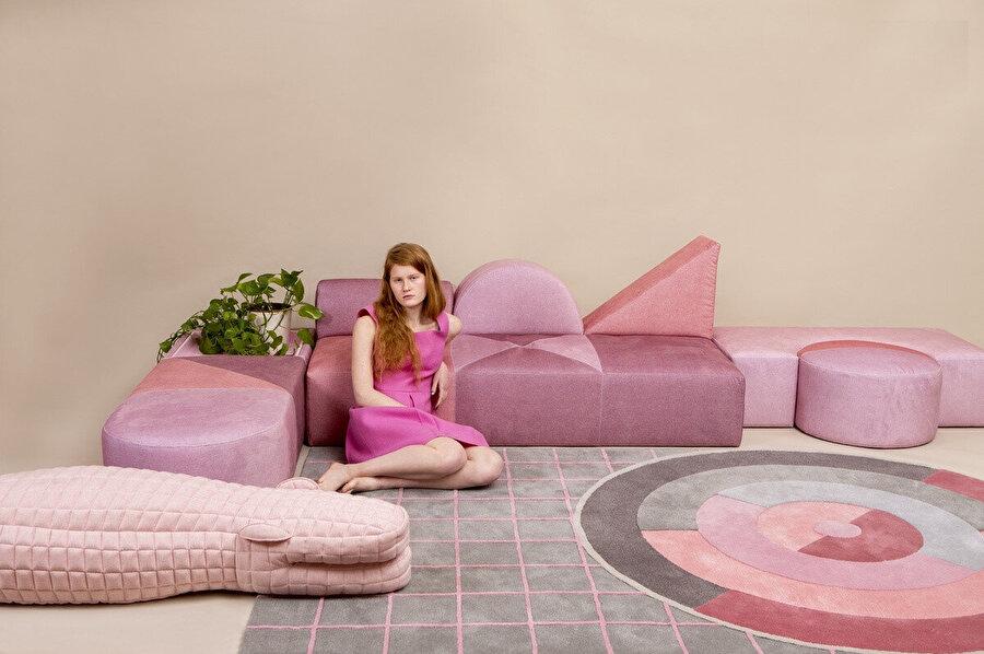 Fresh Paint 2019 Galeri'sinde sergilenen bu koleksiyon, Bauhaus'a gönderme yapıyor.