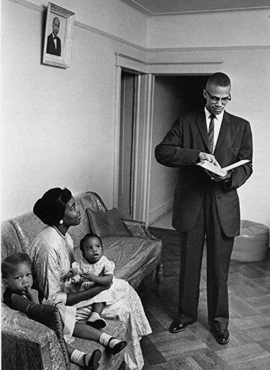 Malcolm X, 1958'de Dr. Betty Sanders ile hayatını birleştirdi.