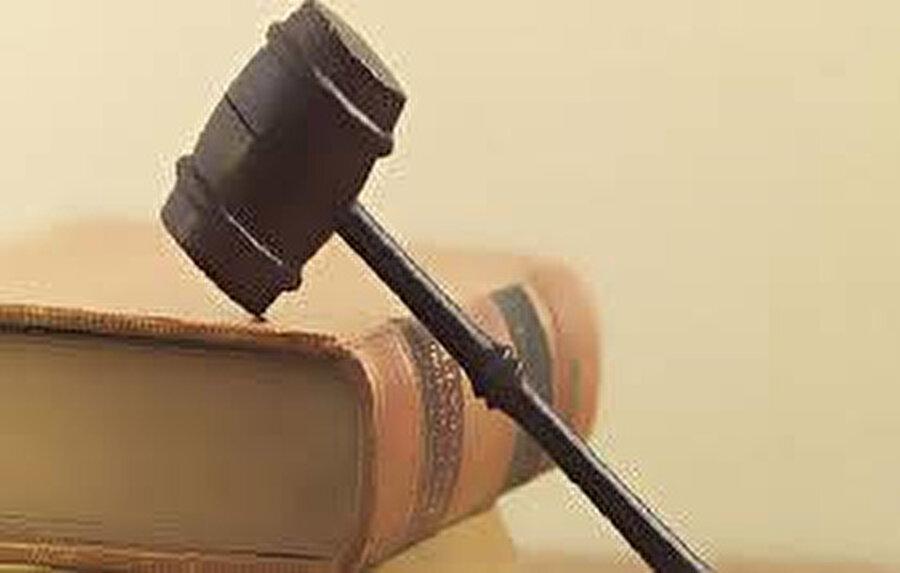 Anayasa, toplumsal sözleşmedir.