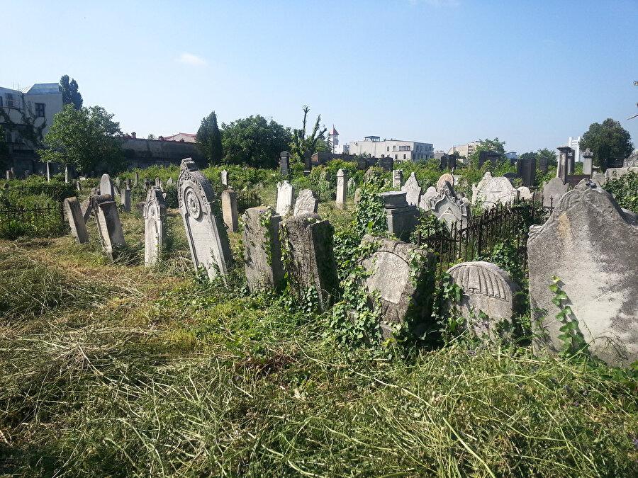 Romanya Yahudi cemaati, İkinci Dünya Savaşı sırasında dağılmıştı.