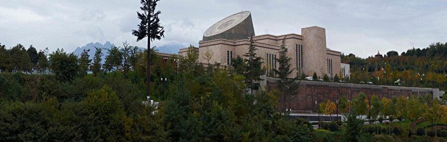 Baoji Bronz Müzesi'nin çevre ile ilişkisi.
