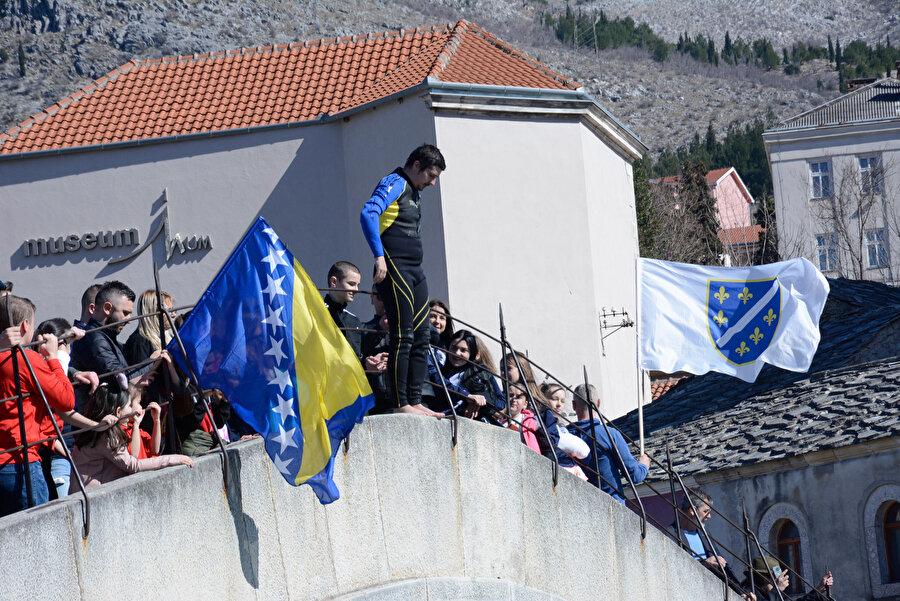 Bağımsızlık günü Bosna Hersek'te törenlerle kutlanıyor.