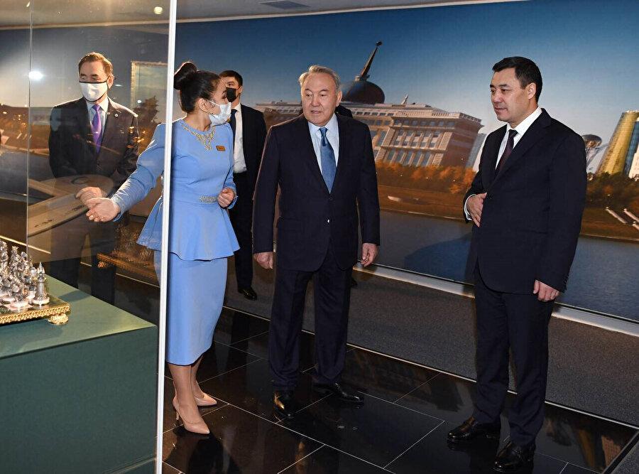 Caparov, Kazakistan'ın Kurucu Cumhurbaşkanı Nursultan Nazarbayev ile de görüştü.