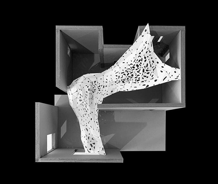 Sergi alanındaki enstalasyonun üstten model görüntüsü.