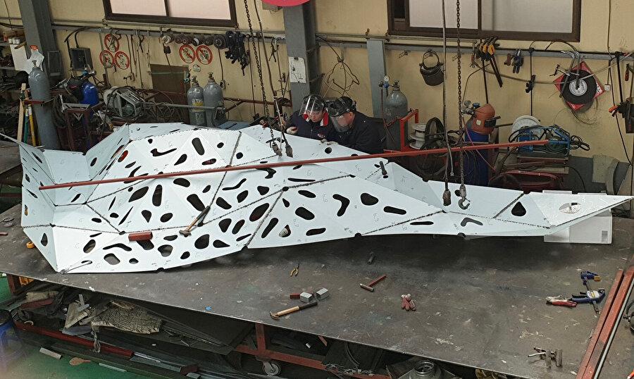 Enstalasyonun yapım aşamasından bir görüntü.