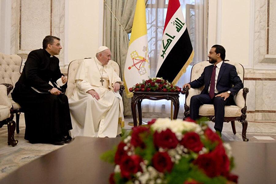 Papa, Irak'ın iç savaş ve terörden etkilendiğini vurguladı.
