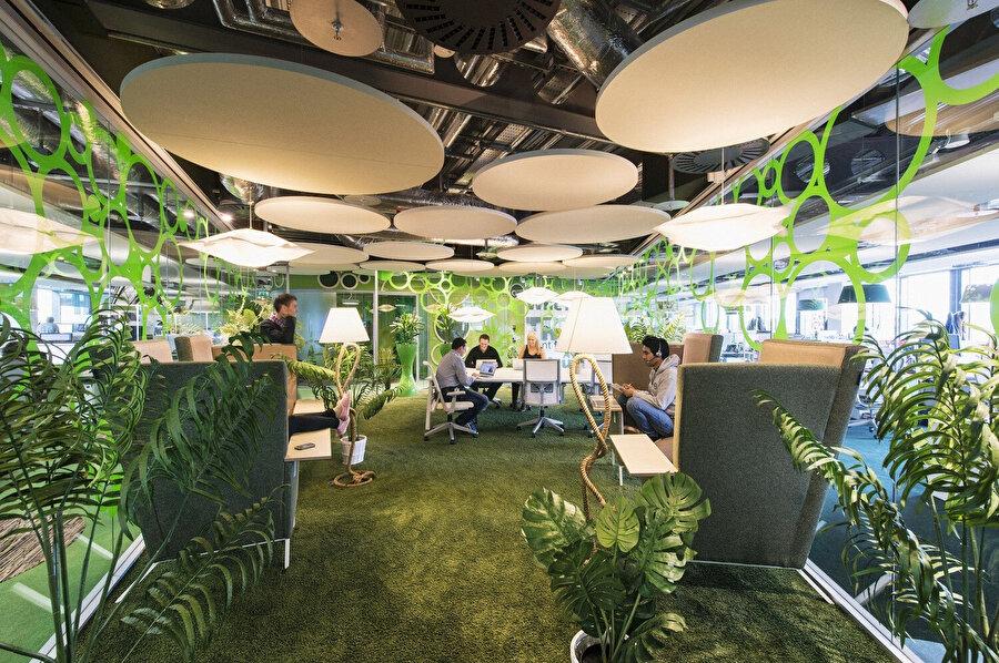 Camenzind Evolution ve Henry J. Lyons Architects tarafından tasarlanmış Google Dublin Kampüsü.