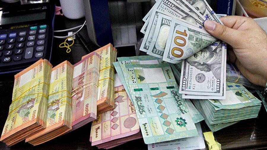 Yerel para birimi Lübnan lirası bankalarda ve karaborsada değer kaybıyla farkı fiyatlardan işlem görüyor.