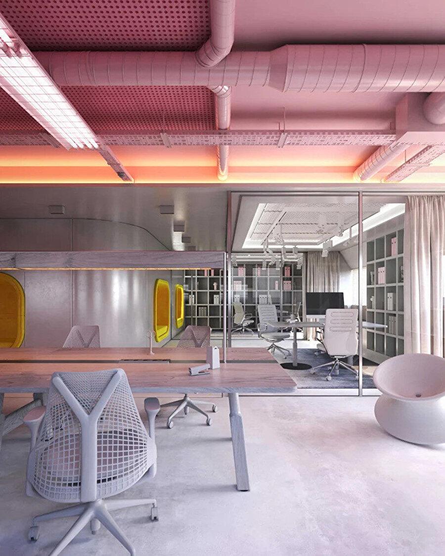 Eğlenceli renkler ve formların kullanımı, ofisi daha özgür ve esnek bir iş yerine dönüştürüyor.