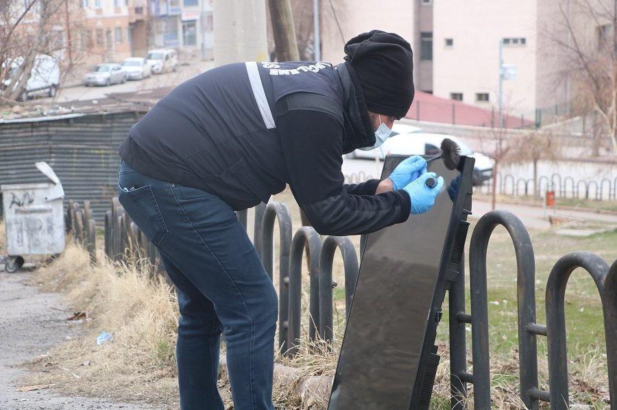 Polis aldığı parmak iziyle hırsızı yakaladı