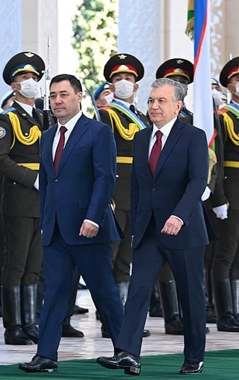 Özbek ve Kırgız liderler uzun zaman sonra ilk kez Rusça yerine Türkçe konuştu