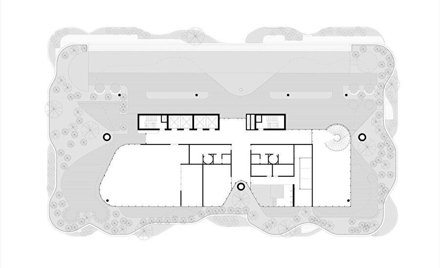 Ortak alanların bulunduğu çatı katı.