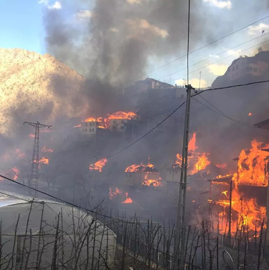 Yangın yerinden görüntüler