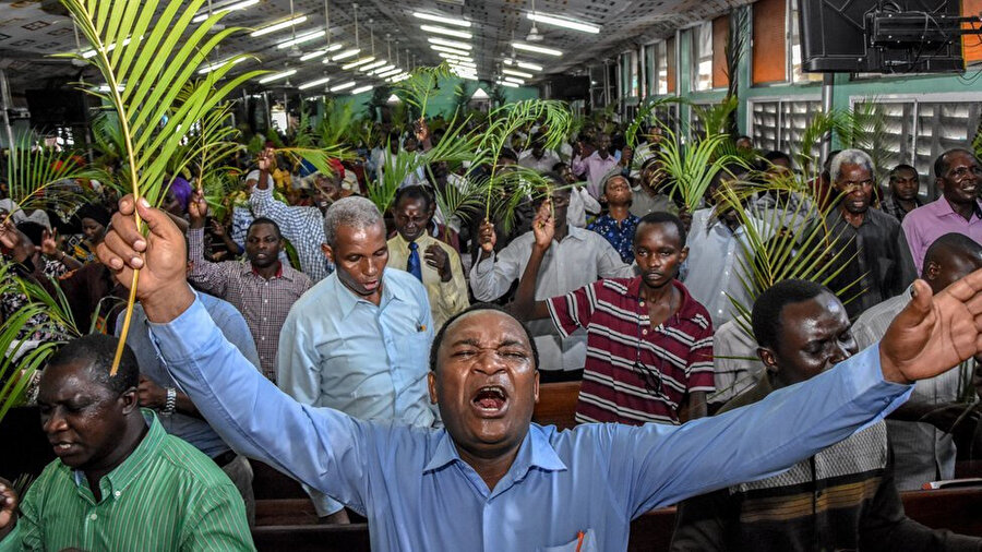 Magufuli, halktan hastalığı yenebilmek için 3 gün boyunca dua etmelerini istemişti