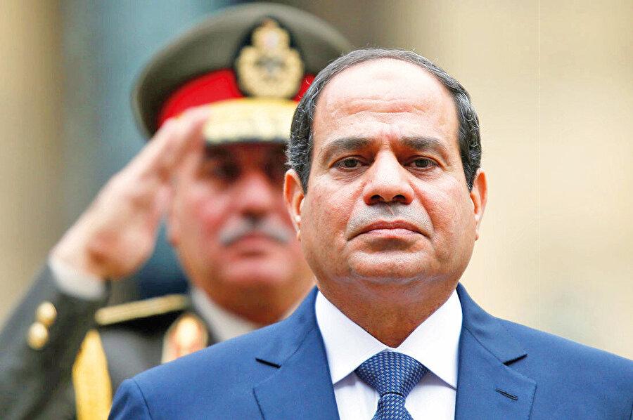 Türkiye'nin Mursi iktidarına yönelik desteğini eleştiriye tabi tutanlar, darbeci Sisi'yi kolluyordu