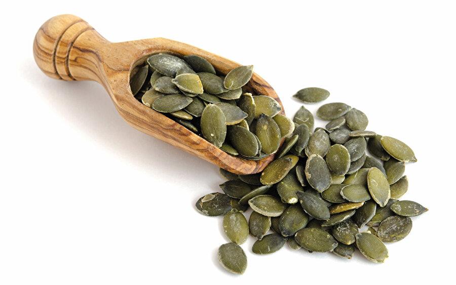 'Pangamik Asit' olarak da adlandırılan B15 vitamini B17'nin içinde yer alır.