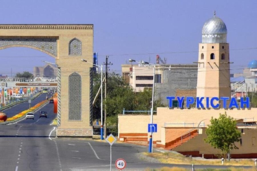 Türkistan, 1991'de Kazakistan'ın bağımsızlığını ilan etmesiyle yeniden canlanmaya başladı.