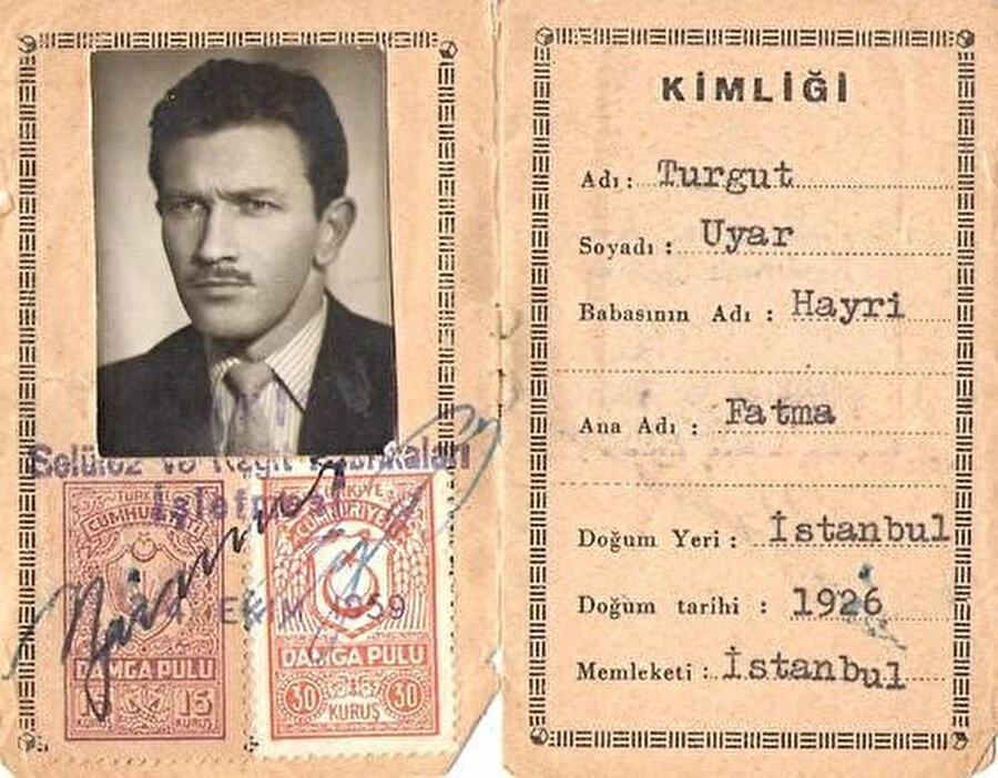 Turgut Uyar'ın kimliği