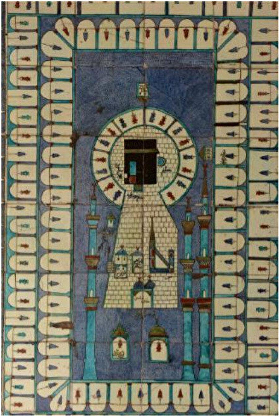 Topkapı Sarayı Valide Sultan Dairesi dua odasının kapısının yanındaki duvarda yer alan Kâbe tasvirli çini pano (1667)