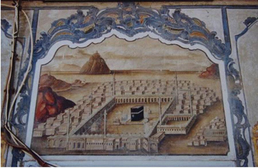 Manisa Soma Camii son cemaat yerinde yer alan Kâbe tasvirli duvar resmi, 18. yy