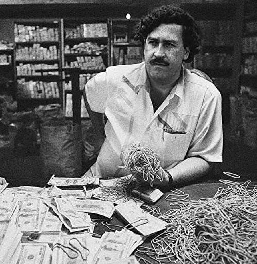 """Geçtiğimiz hafta vizyona giren """"Escobar'ı Öldürmek"""" isimli belgesel, tam da bu soruya cevap arıyor."""