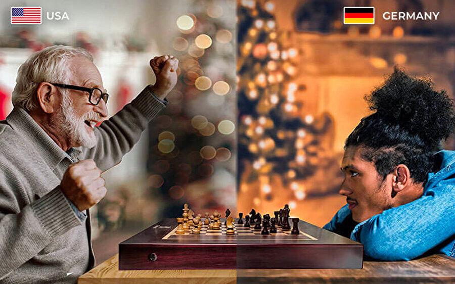 Bhavya Gohil ve Atur Mehta tasarımı Square Off, online satrancı fiziksel bir şekilde oynamayı sağlıyor.