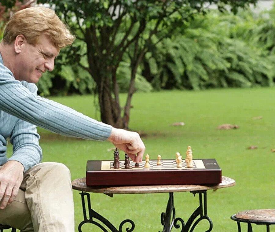Square Off 2021'de, yuvarlanabilir satranç setini piyasaya sürmeyi hedefliyor.