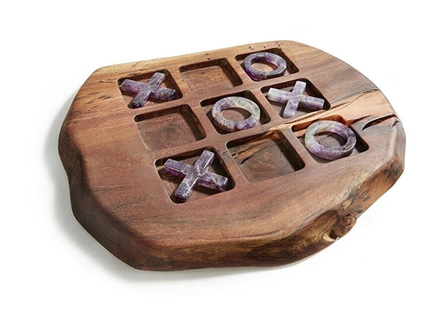 "Anna Rabinowicz tasarımı ""Afora Wood and Gemstone Tic Tac Toe""."