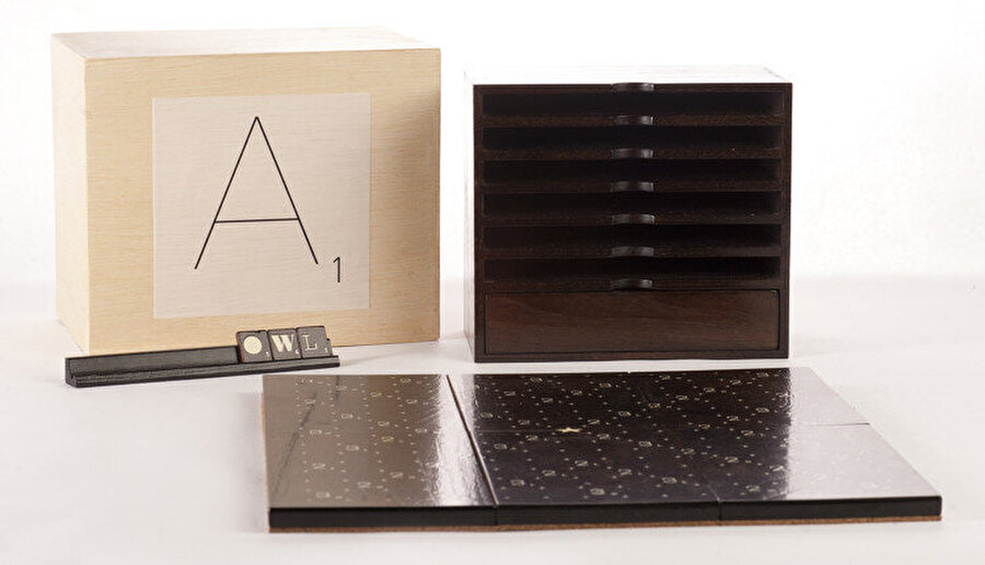 Andrew Clifford Capener tasarımı Scrabble Typography Limited Edition.