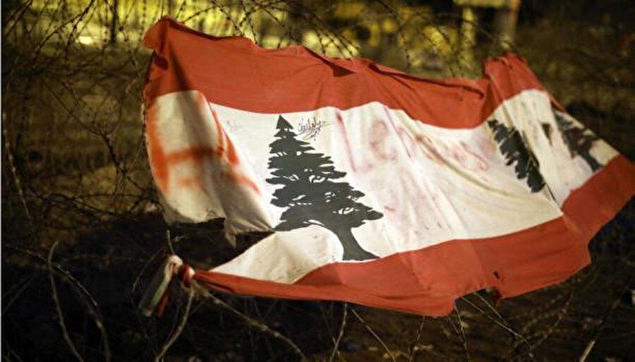 Lübnan ekonomisi, 1975-1990 yıllarındaki iç savaştan bu yana en büyük krizi yaşıyor.